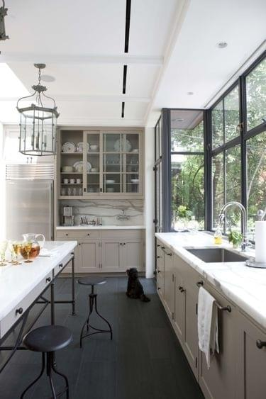 Design in mind no upper cabinets in the kitchen coats for Kitchen designs without windows