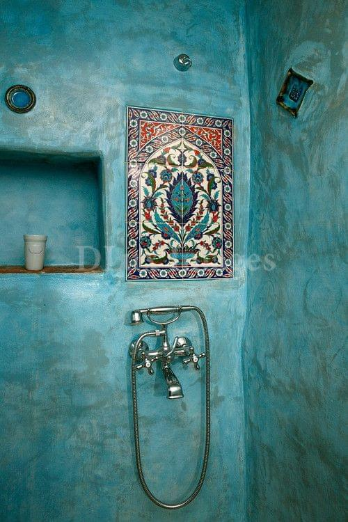 Design in mind the turquoise bath coats homes for Faience salle de bain turquoise