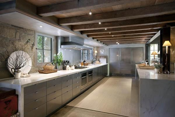 Design in Mind: No Upper Cabinets in the Kitchen | Coats ...